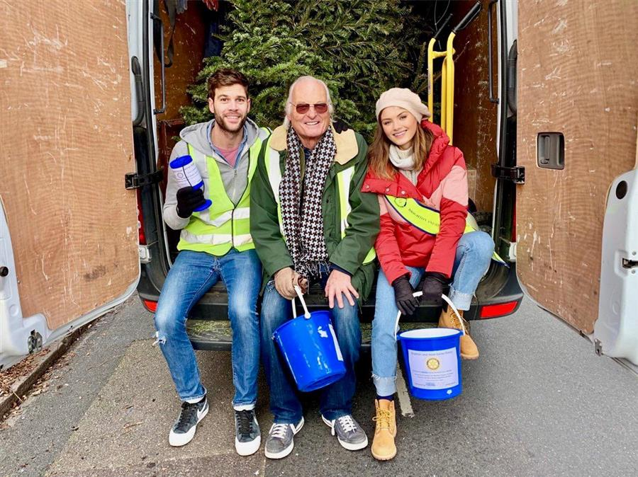 Charity Christmas Tree Collection Service